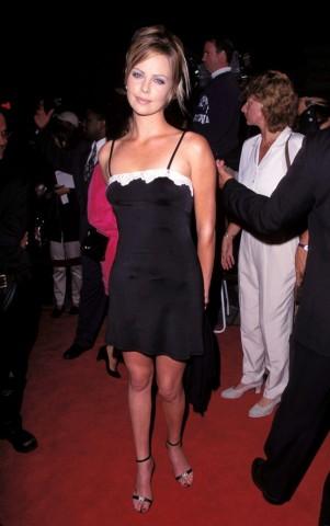 Šarlīze Terona 1996.gadā