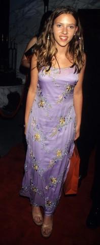 Skārleta Johansone 1998.gadā