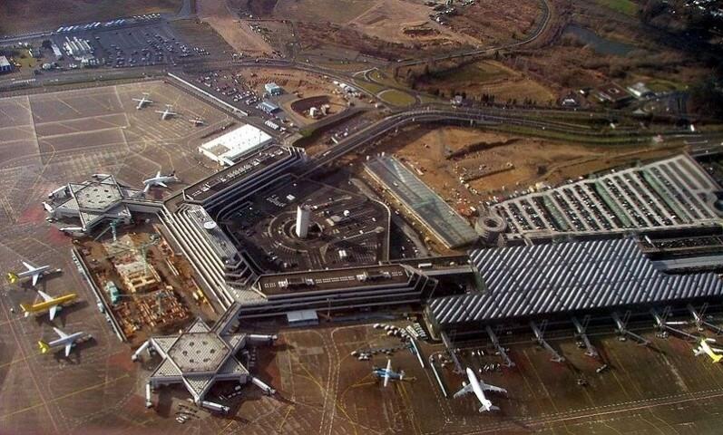 8. vieta - Ķelnes Bonnas lidosta (Cologne Bonn Airport (CGN)) -- Pasažieru skaits gadā: 9,1 miljons