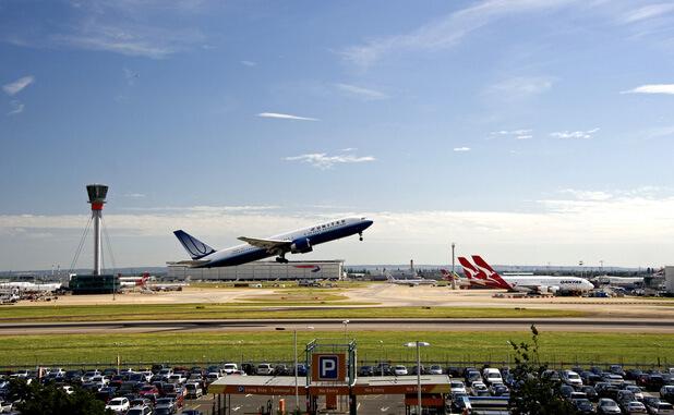 3. vieta - Hītrovas lidosta (London Heathrow Airport (LHR)) -- Pasažieru skaits gadā: 72,4 miljoni