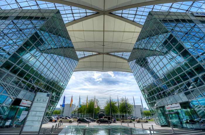 1. vieta - Minhenes lidosta (Munich Airport (MUC)) -- Pasažieru skaits gadā: 38,7 miljoni