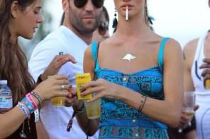 Holivudas aktrises un modeles – smēķētājas