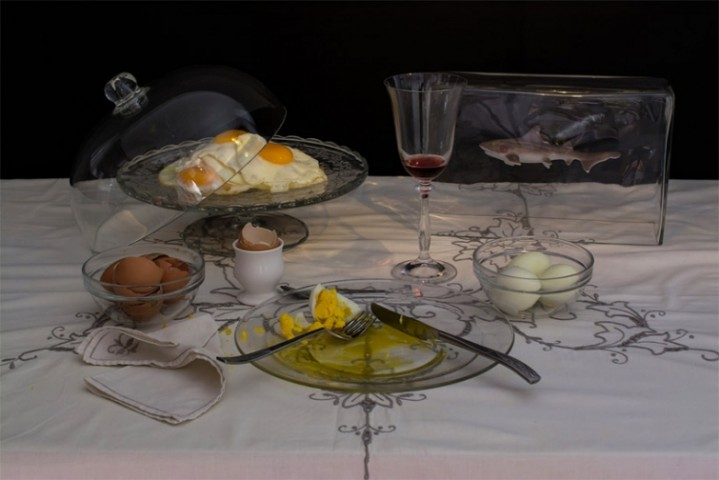 """Mākslas kolekcionārs Čārlzs Sāči. """"Olu diēta"""": deviņas dažādi pagatavotas olas un glāze vīna"""