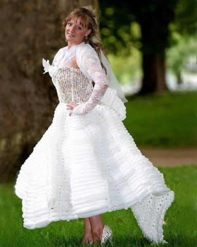 Kāzu kleita no baloniem