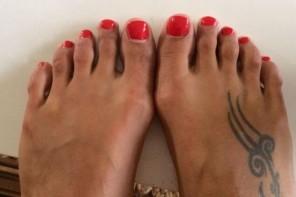 Sievietes nogriež kāju pirkstus, lai izskatītos skaistāk augstpapēžu kurpēs