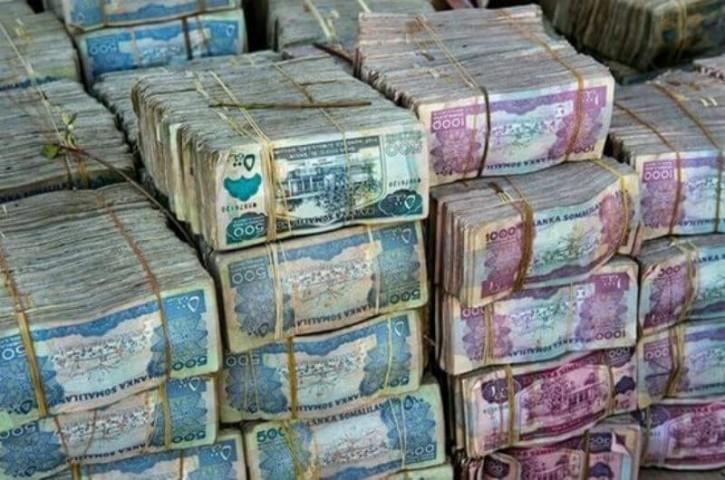 Pati vērtīgākā valūta Somālijā ir nevis nauda, bet kamieļi. Tieši tas, cik kamieļu cilvēkam pieder, nosaka viņa pārticības līmeni.