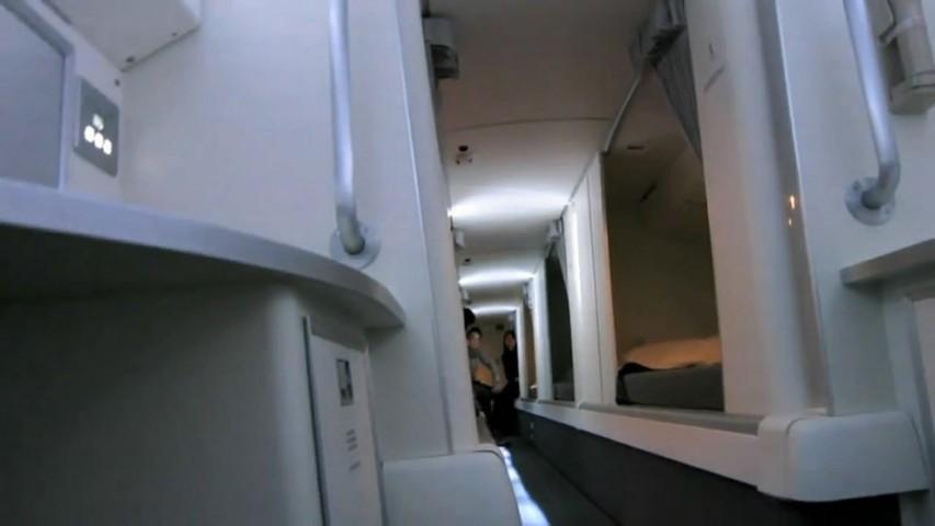 """Boeing  tipa lidmašīnās kāpnes izved uz šādu """"gaiteni""""..."""