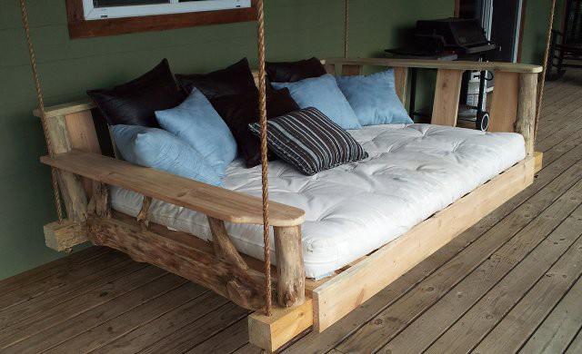 Šajā gultā ikviens var atgriezties bērnu dienās