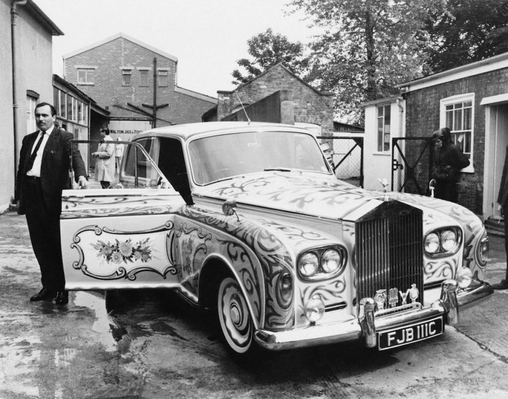 Džona šoferis un pārkrāsotais auto