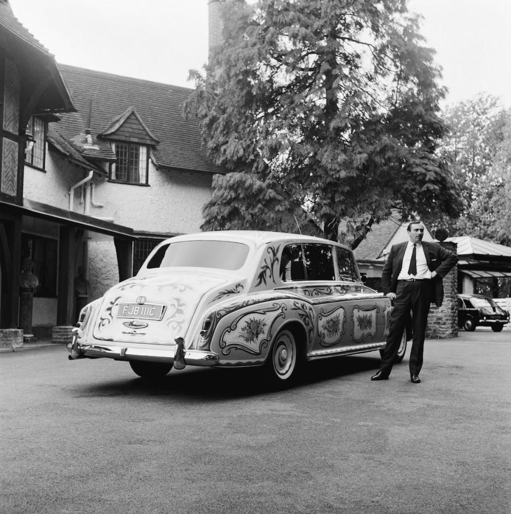 Džona Lenona šoferis un to laiku mietpilsonisko sabiedrību šokējušais Rolls Royc
