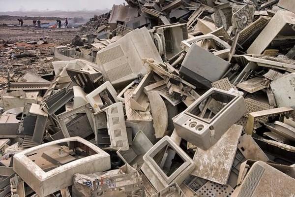 Vecu datoru un citu elektroierīču izgāztuve, Indija