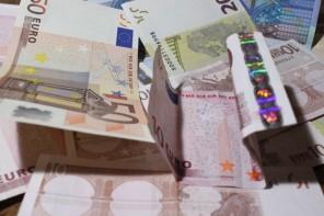 Valsts pārvalde naudu nelikumīgi šķērdē bez sirdsapziņas pārmetumiem