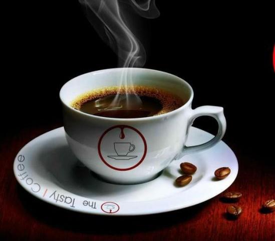 LABĀK NĒ: Kafija (ietekmē sirds asinsvadu sistēmu, atūdeņo organismu, karstā laikā pazemina darbaspējas)