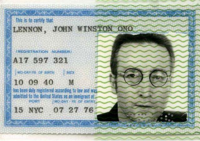 """Džons Lenons, pasaulslavens dziedātājs, viens no leģendārās grupas """"The Beatles"""" dibinātājiem un dalībniekiem"""