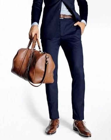 Uzvalka žaketei jānosedz bikšu rāvējslēdzējs un sēžamvieta.