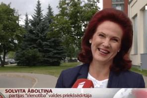 """Solvitas Āboltiņas ūjināšanu organizējusi """"pensionāre krievu valodā""""?"""