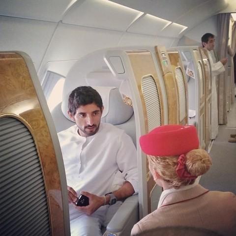 Dubajas princis savā lidmašīnā