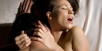 kāpēc sievietes tēlo orgasmu