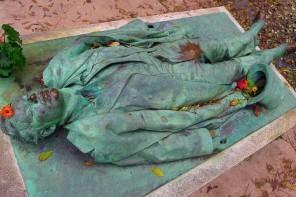 Seksuālākais kapu piemineklis pasaulē
