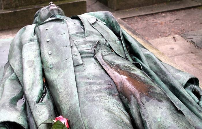 seksuālākais kapu piemineklis