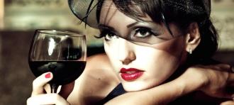 sieviete un alkohols