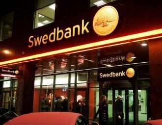 swedbank atņem bērnam