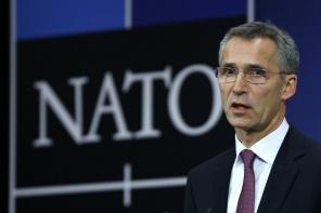 NATO vienojas pastiprināt militāro klātbūtni Austrumeiropā, tostarp Latvijā