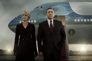 """Seriāla """"Kāršu nams"""" ceturtās sezonas tīzeris vēsta par negaidītu sižeta pavērsienu"""