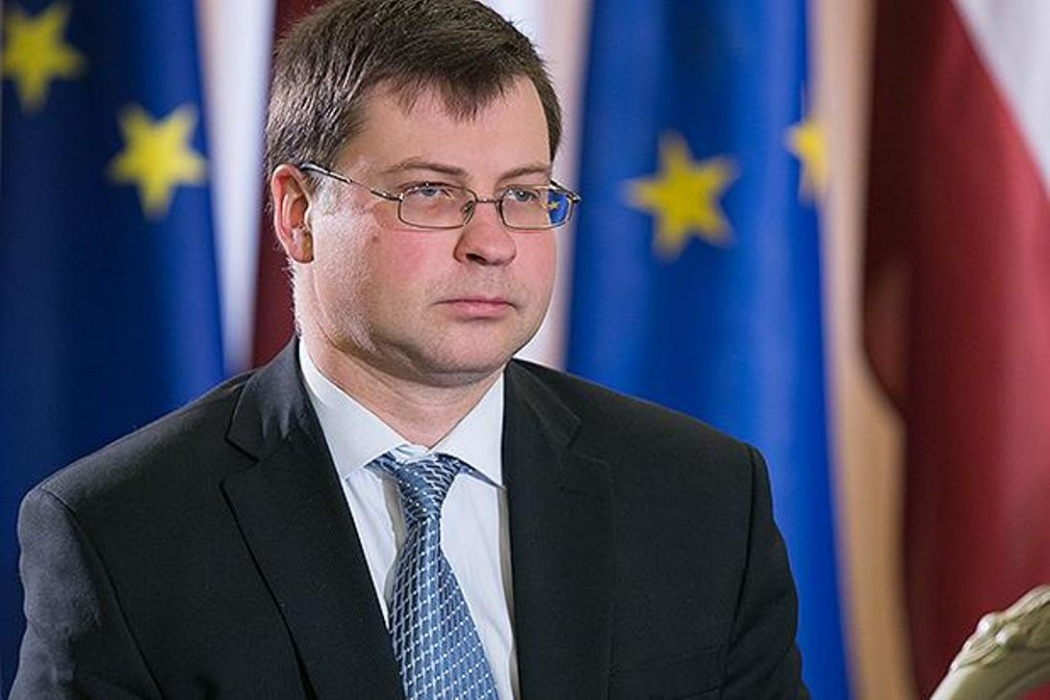 Dombrovskis KNAB
