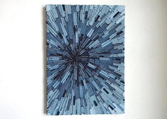 Prasmīgākās rokdarbnieces no vecajiem džinsiem var izveidot oriģinālu sienas rotājumu