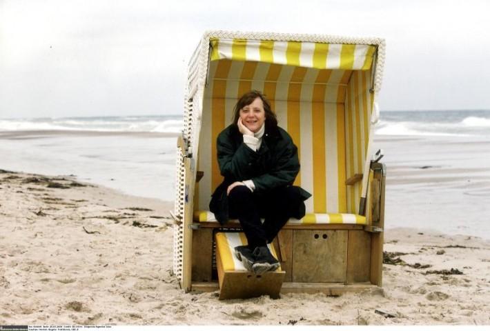 Angela Merkele pie Baltijas jūras, 2000. gads
