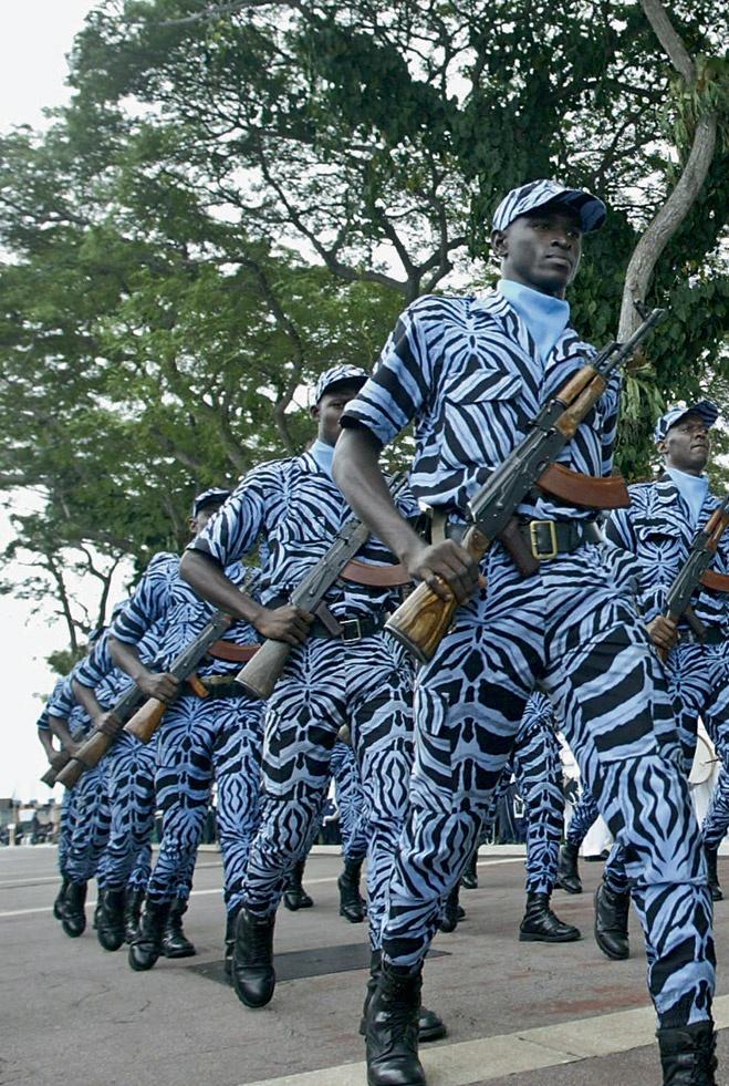 ermigakas-militarpersonu-uniformas-pasaules-valstu-armijas-10