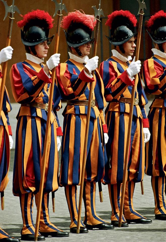 ermigakas-militarpersonu-uniformas-pasaules-valstu-armijas-12