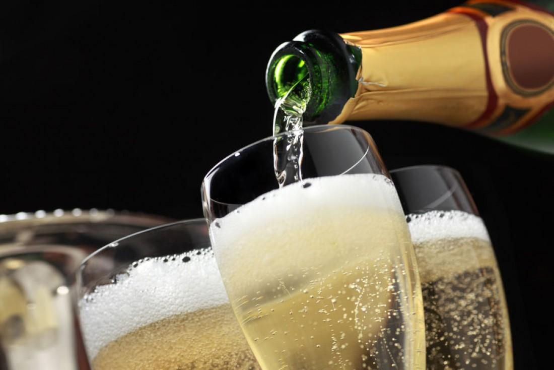 dzer šampanieti