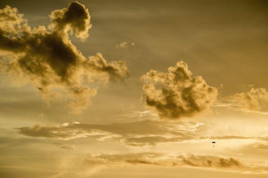 serfosana-debesis-starp-negaisa-makoniem-un-zibeniem-drosme-vai-neprats-02