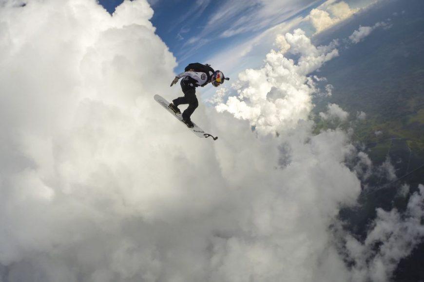 serfosana-debesis-starp-negaisa-makoniem-un-zibeniem-drosme-vai-neprats-07