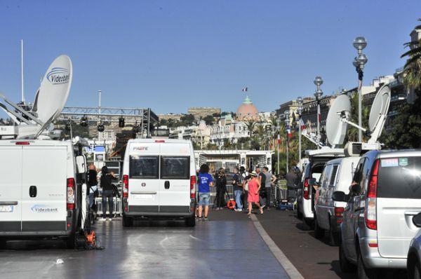 Pilsētas mērija un prefektūra aicināja iedzīvotājus uzturēties telpās