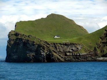 Māja kā radīta vientuļniekam. Īslande