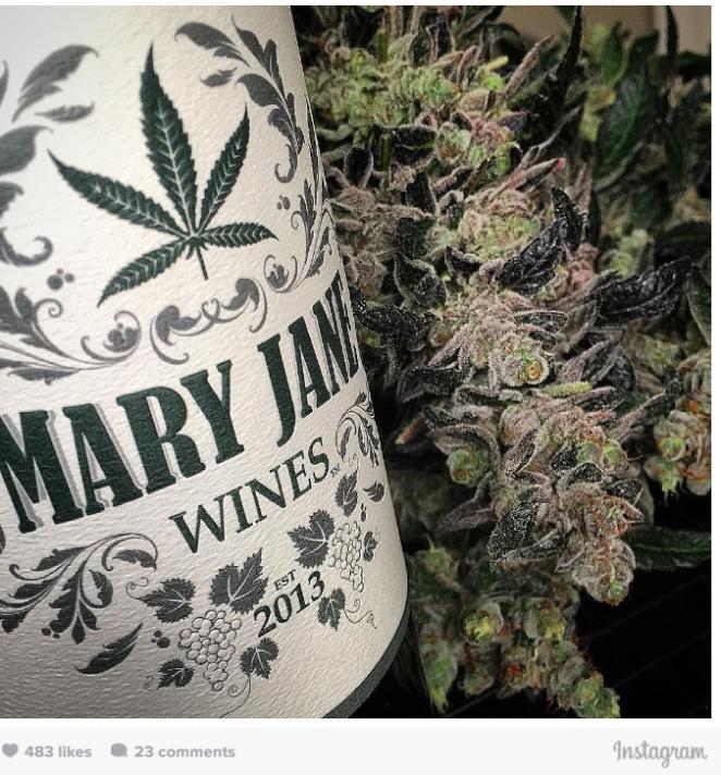 divi-viena-ar-marihuanu-aizdarits-vins1