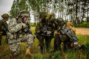 Latvijas aizsardzība