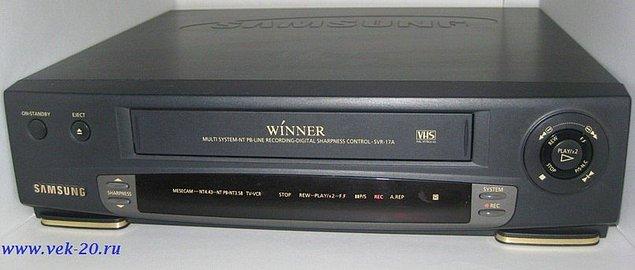 90-to gadu finansiālās labklājības simbols - videomagnetofons