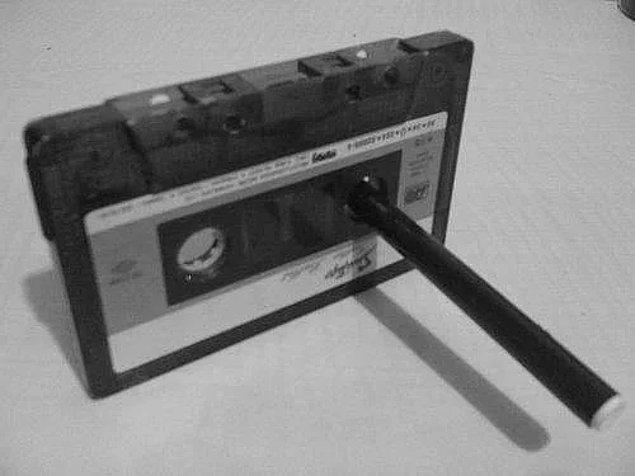 Pārtīt kaseti ar zīmuli? Nekādu problēmu!