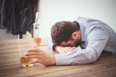 alkohola atkarība