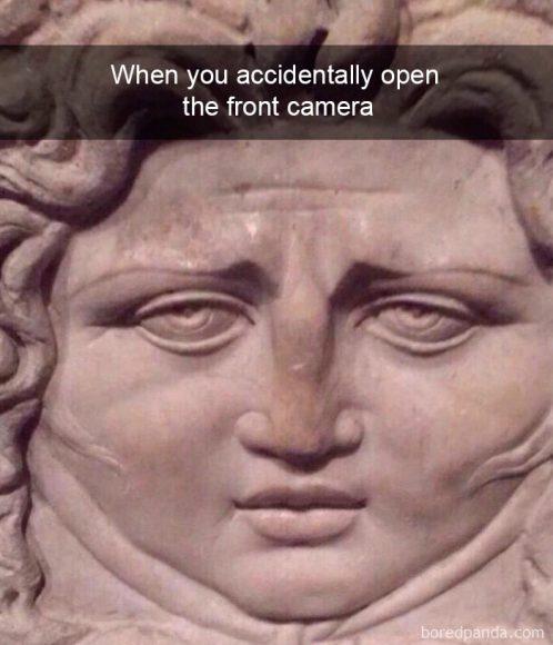 Kad kļūdaini atver frontālo kameru